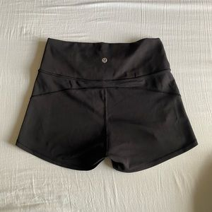 Lululemon short